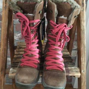 NWT Santana Canada wool lined waterproof boots